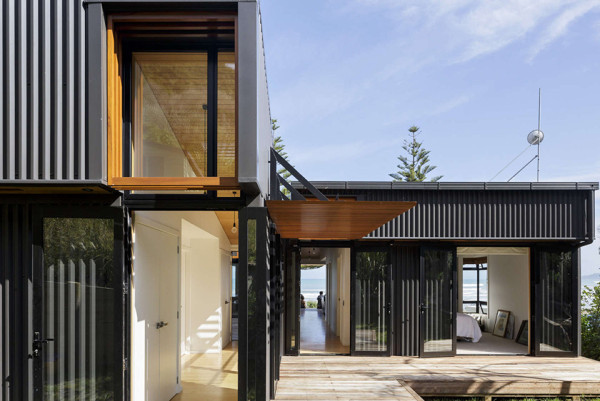 offSET Shed House by Irving Smith Jack Architects 1 600x401 This Oceanfront Shed May Be The Finest Shed Architecture Ever Built