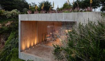 Concrete Painters Studio by Felipe Assadi - Photo by Fernando Alda 1