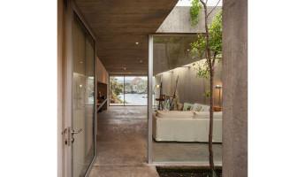 Concrete Painters Studio by Felipe Assadi - Photo by Fernando Alda 3