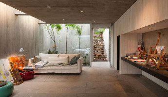 Concrete Painters Studio by Felipe Assadi - Photo by Fernando Alda 4