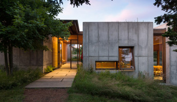 Coastal Concrete Contemporary - East House by Rose and Partners - Photography by Chuck Choi 1