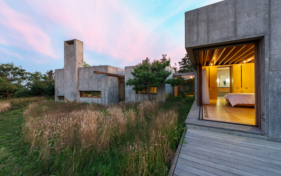 Coastal Concrete Contemporary - East House by Rose and Partners - Photography by Chuck Choi 3