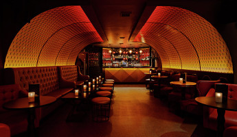Dirty Martini - London - Grapes Design - Image Courtesy of The Restaurant and Bar Design Awards