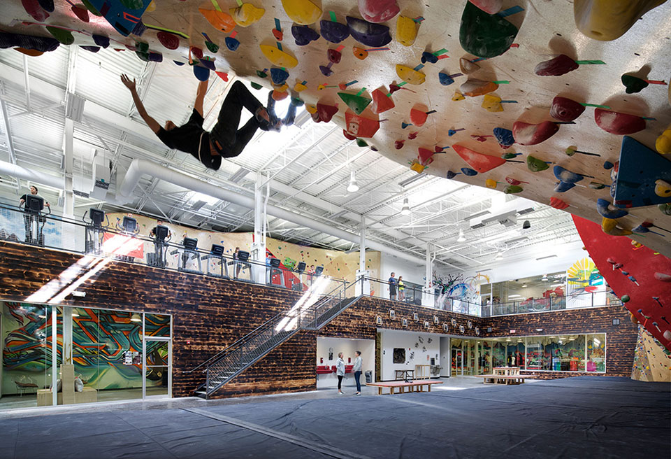 sports facility design – Brooklyn Boulders Somersville – by Arrowstreet – Photography by Ed Wonsek 2