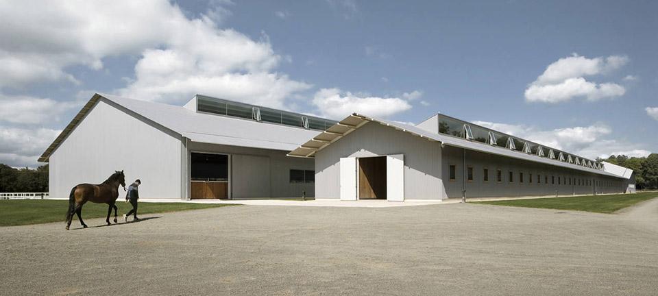 sports facility design – Elite Equestrian Center by Francisco Mangado – Photo by Pedro Pegenaute 3