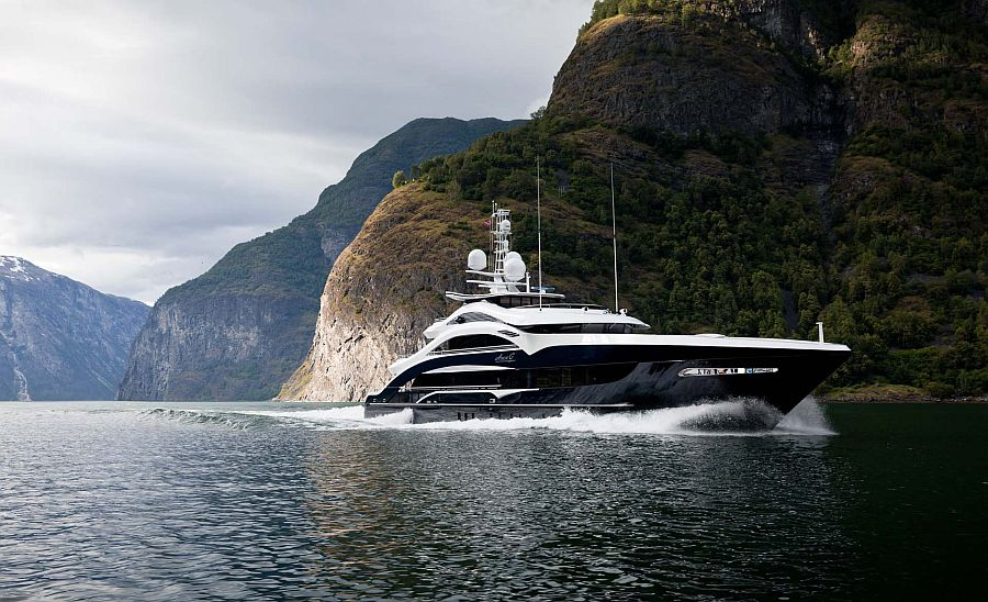 164-foot Cutsom luxury yacht Ann G by Heesen