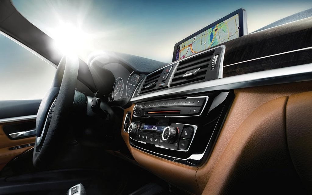 BMW 328d Sports Wagon with Dakota leather Saddle Brown interior