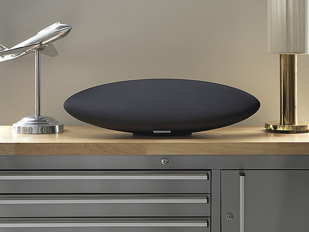 Bowers & Wilkins Zeppelin Wireless - high-end bluetooth speaker