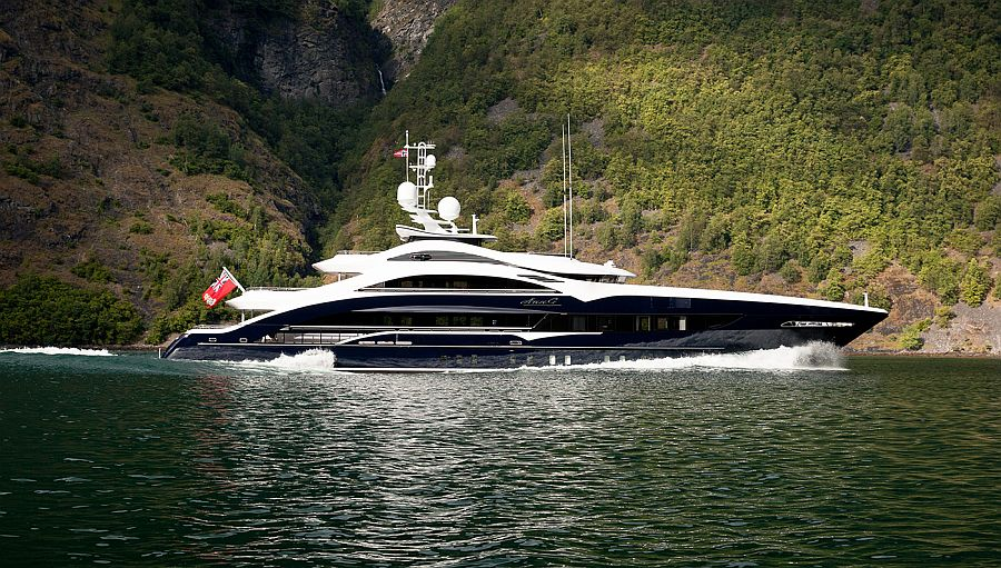 Customized superyacht Ann G by Heesen