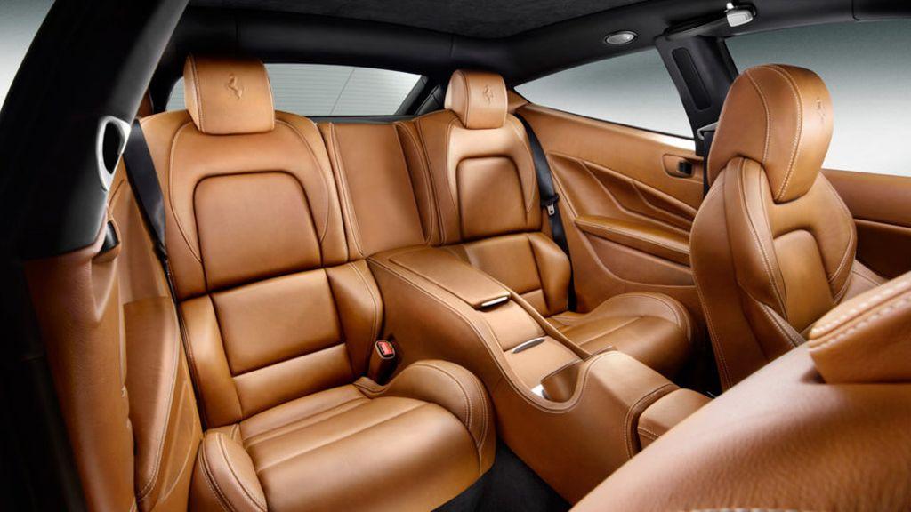 Ferrari FF – interior view