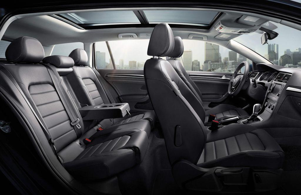 Golf Sportwagen – interior