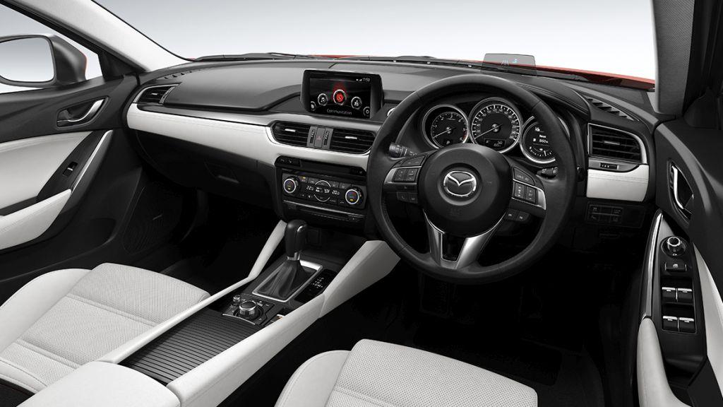 Mazda 6 wagon 2016 – interior