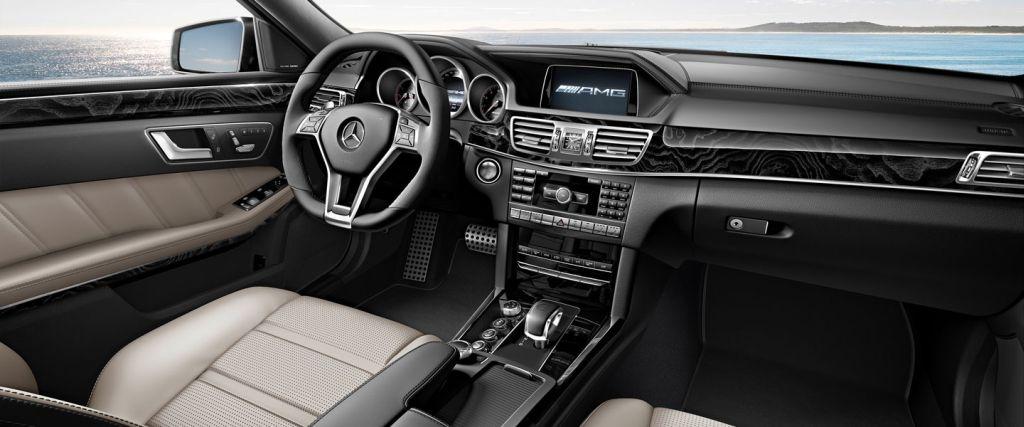 Mercedes E-CLASS E63 AMG S WAGON – interior
