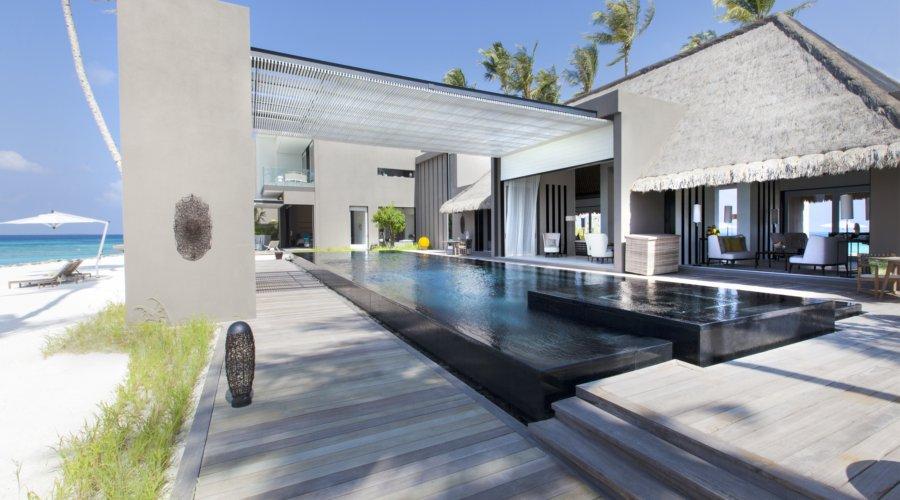 Owner's Villa Cheval Blanc Randheli – luxurious hotel room