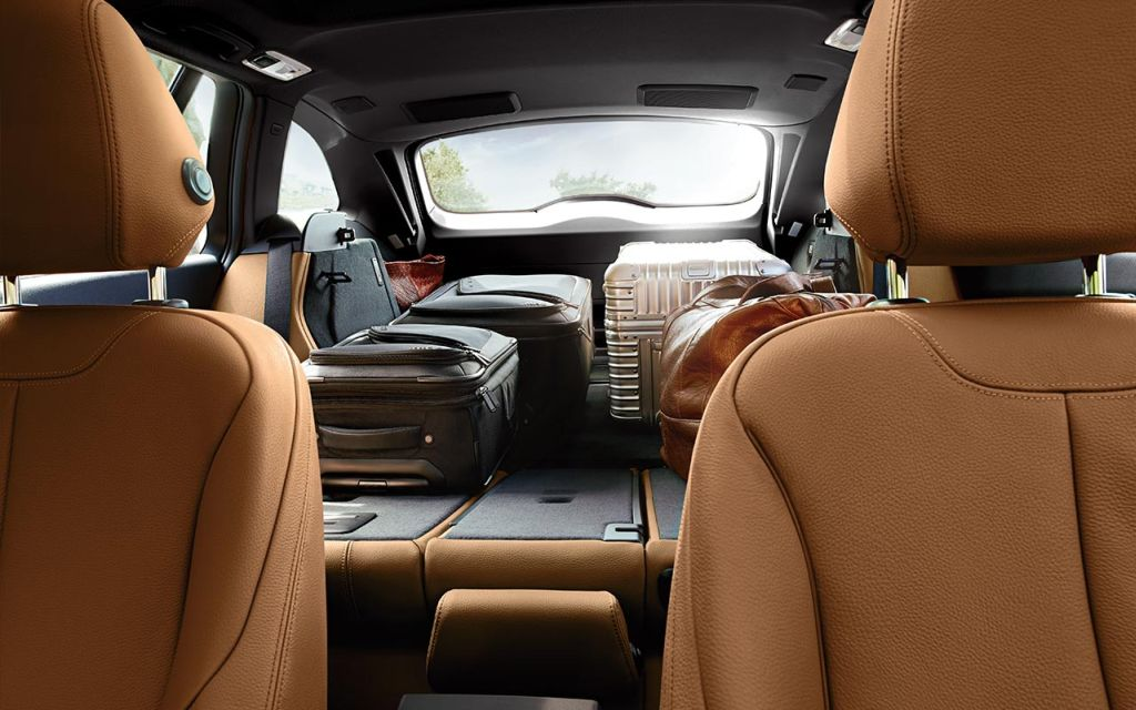 Rear seat bench in the BMW 328d Sports Wagon