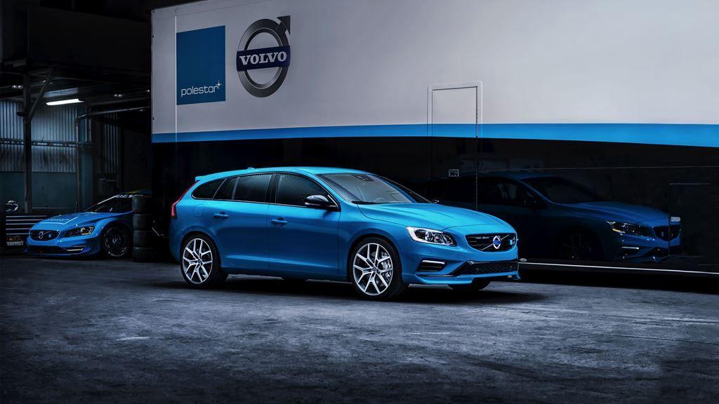 Volvo V60 Polestar – blue exterior