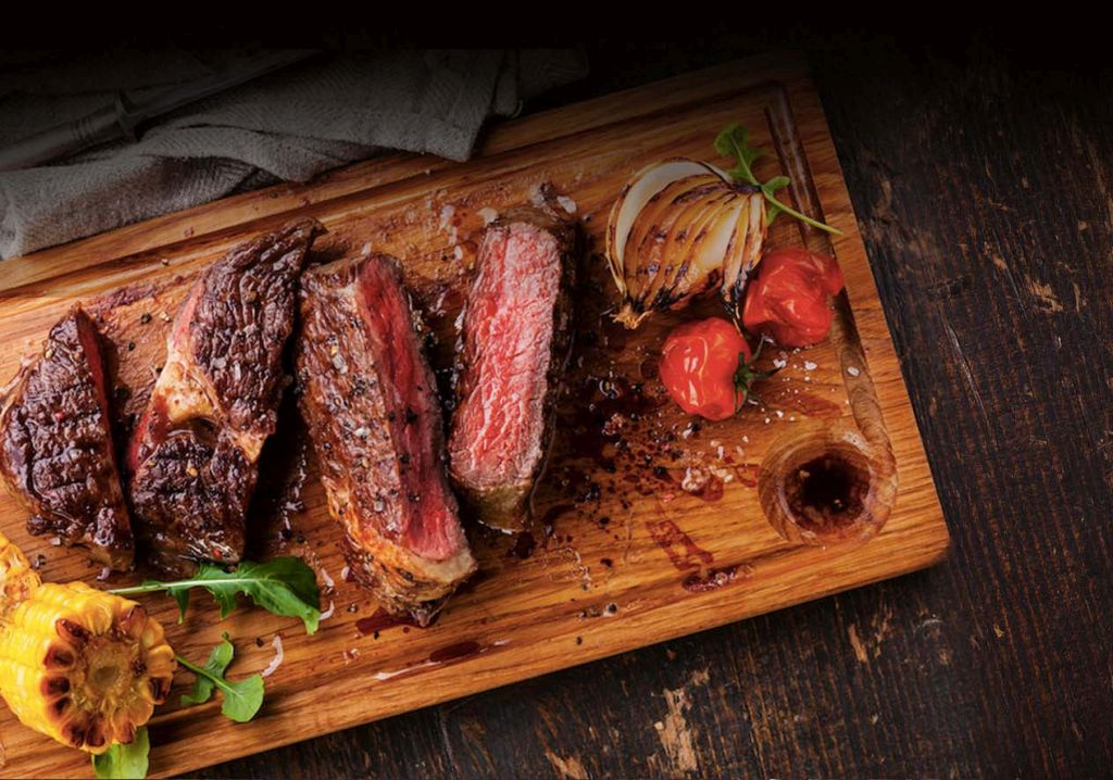 Butcher Box : The all beef box features 3-5 cuts of 100% grass-fed beef