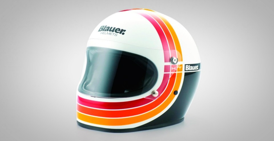 Bell Racing Helmets >> 15 Best Vintage Motorcycle Helmets for Cool Riders