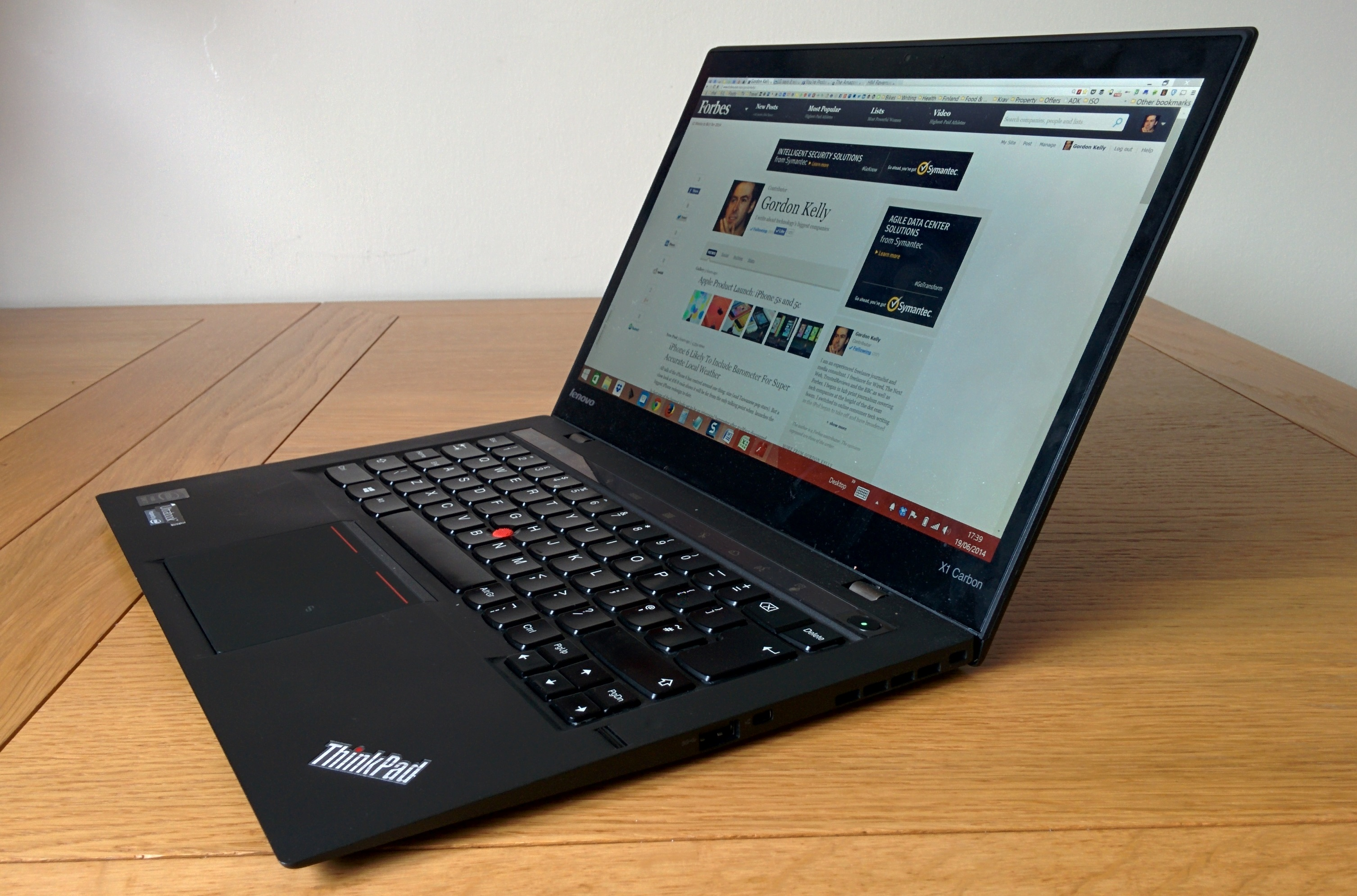 Lenovo ThinkPad X1 Carbon – lightweight laptop