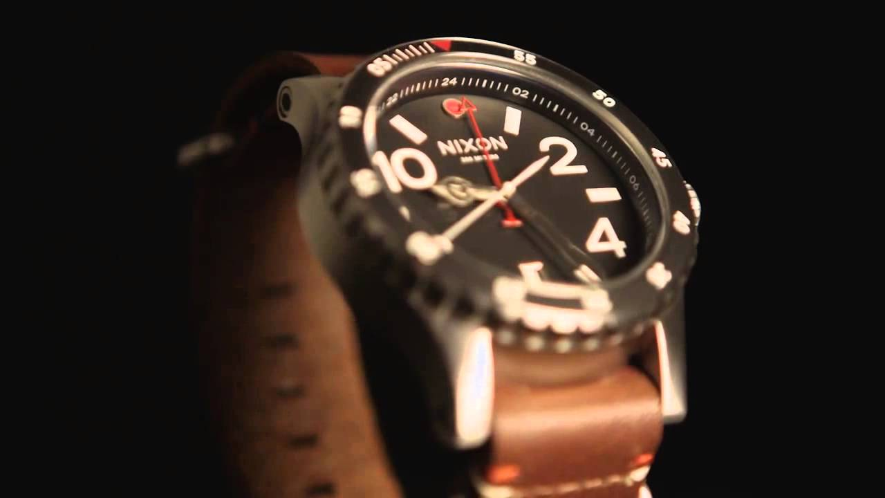 Nixon Diplomat – gmt watch