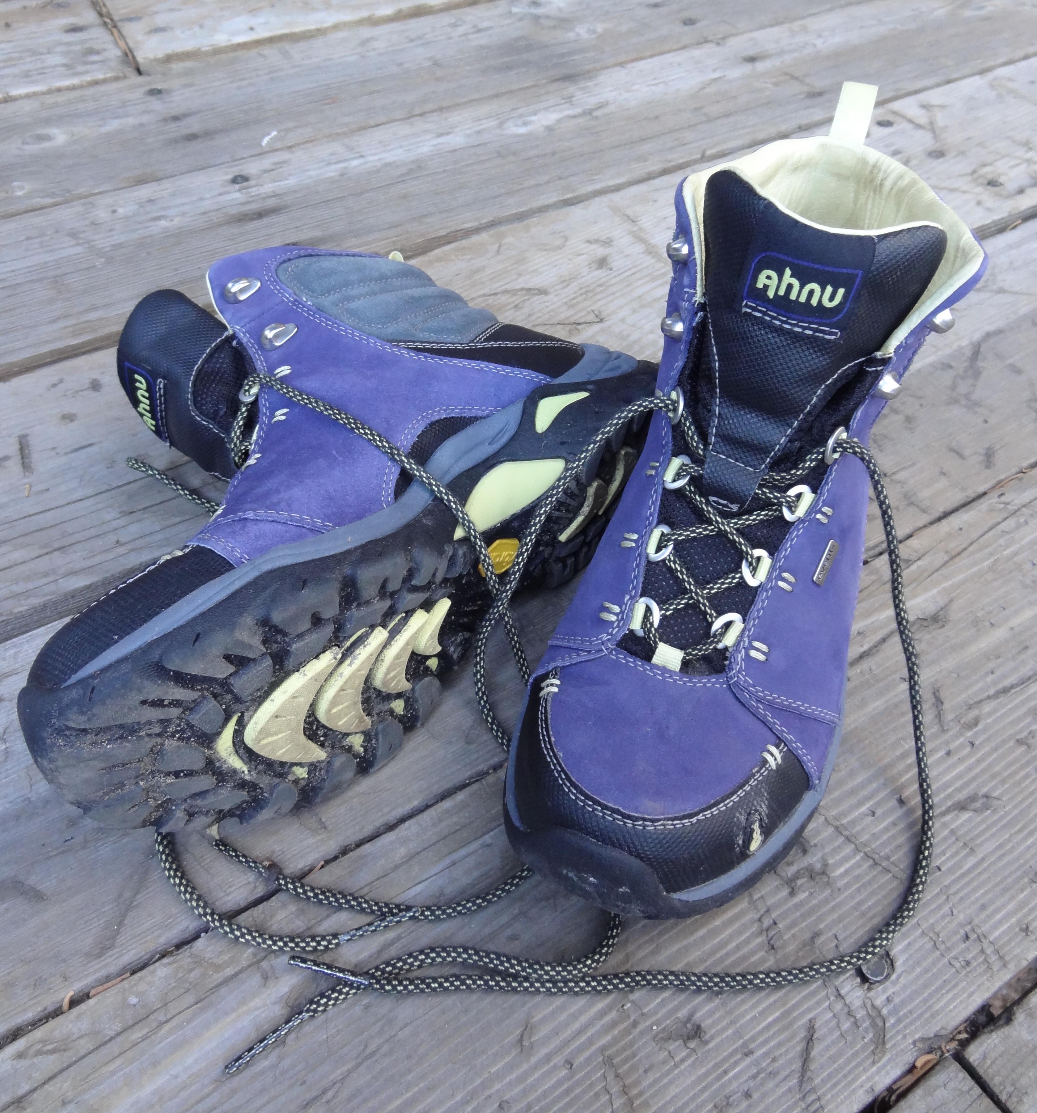Ahnu Montara – hiking boot