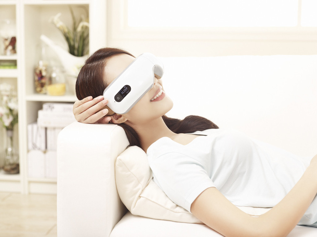 Breo iSee Eye Massagers – weird invention