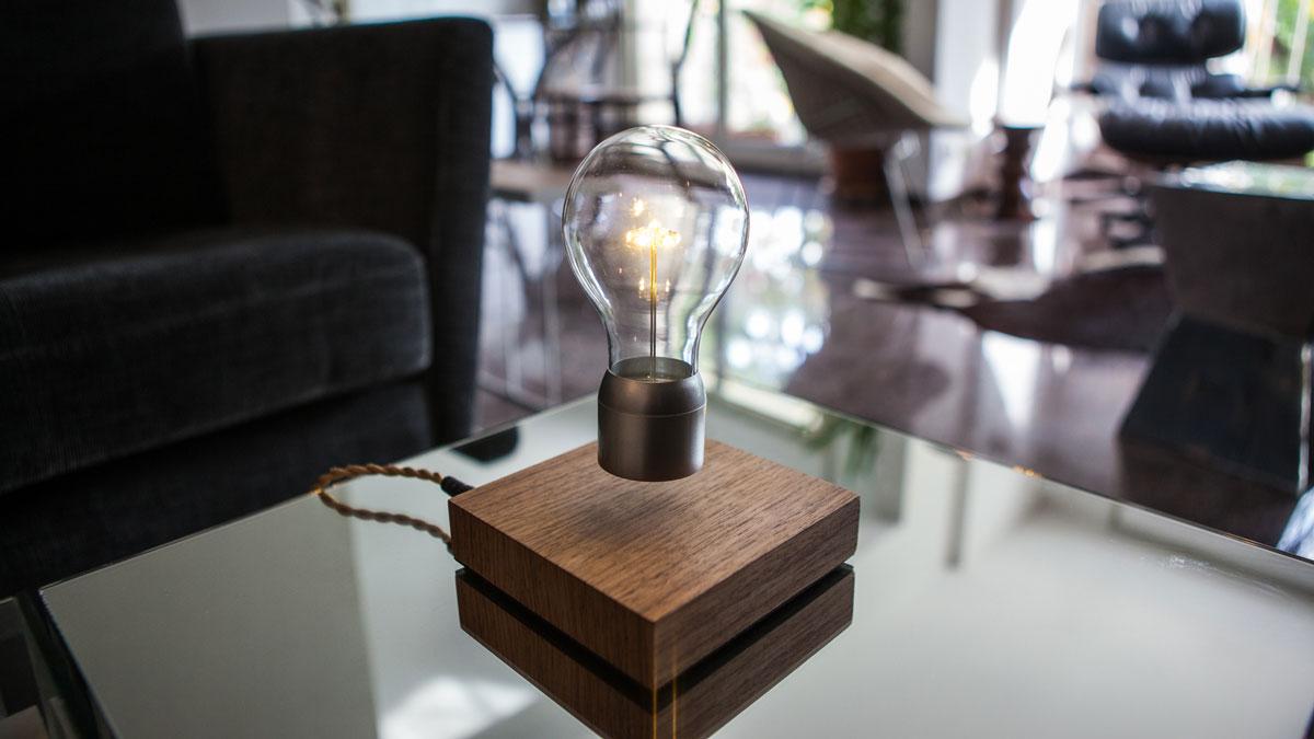 Flyte Levitating Light Bulb – weird invention