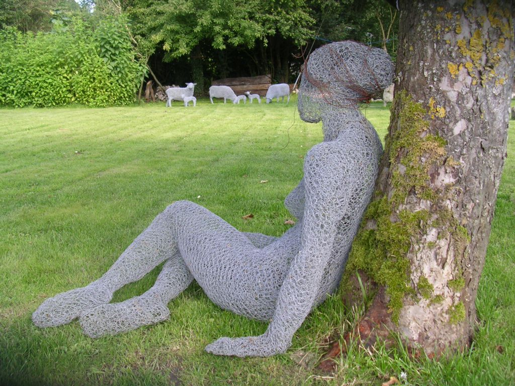 Helen Godfrey – wire sculpture