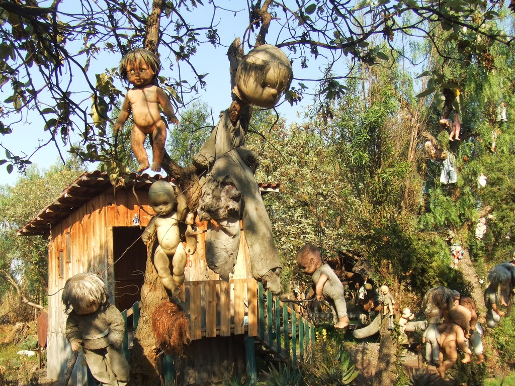 Island of the Dolls – haunted place