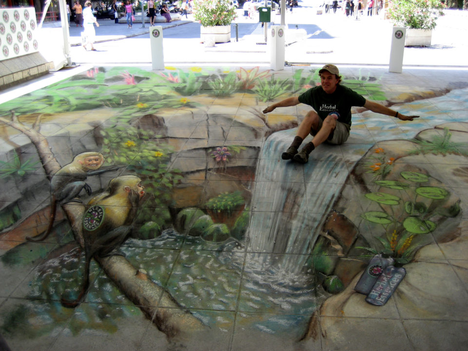 Julian Beever - 3D sidewalk art 2