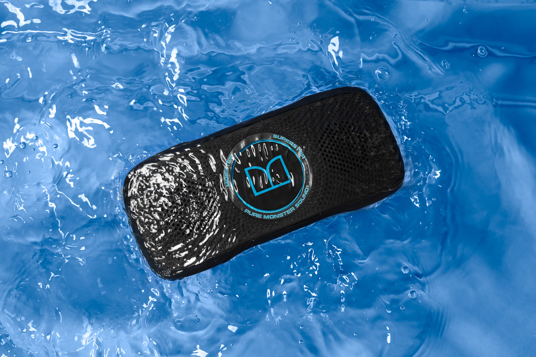 Monster SuperStar BackFloat – waterproof bluetooth speaker