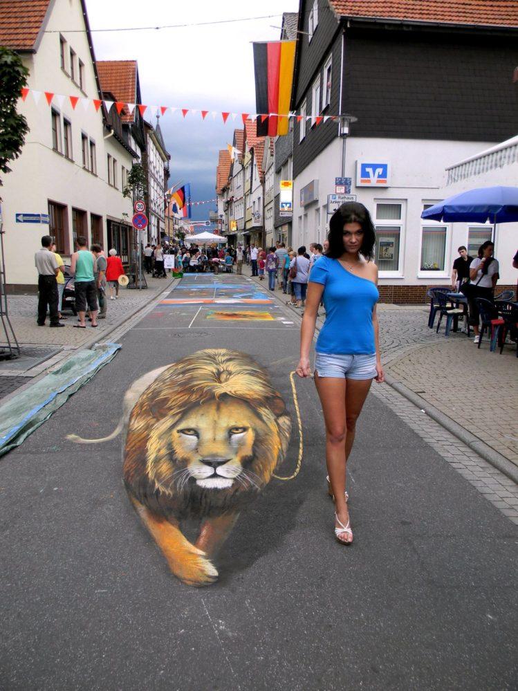 Nikolaj Arndt - 3D sidewalk art 2