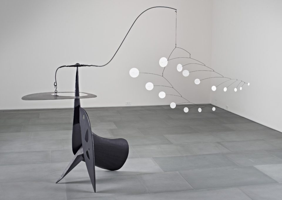 Alexander Calder kinetic sculpture 960x682 14 Incredible Kinetic Sculptures that are Poetry in Motion