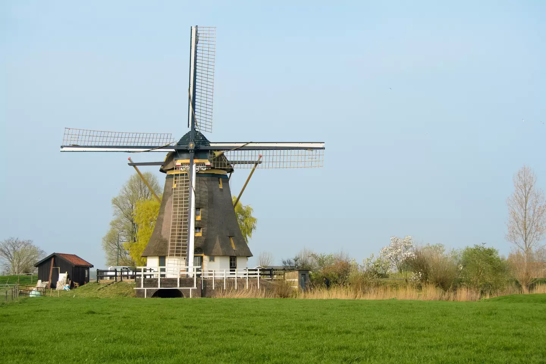 Amsterdam Windmill – weird airbnb rental