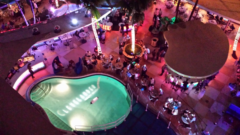 C-Level Rooftop Terrace – miami bar