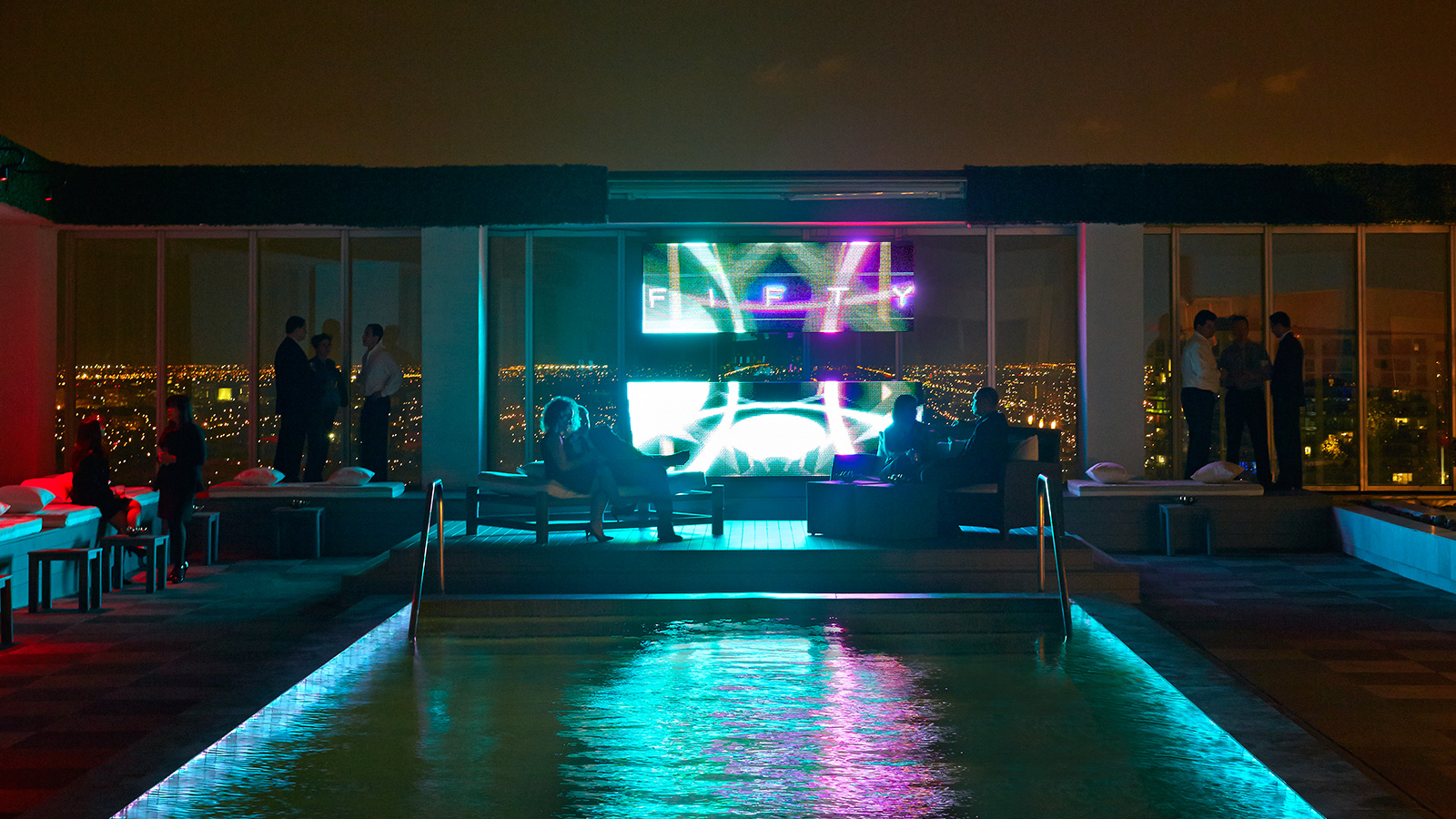 FIFTY Ultra Lounge – rooftop bar miami