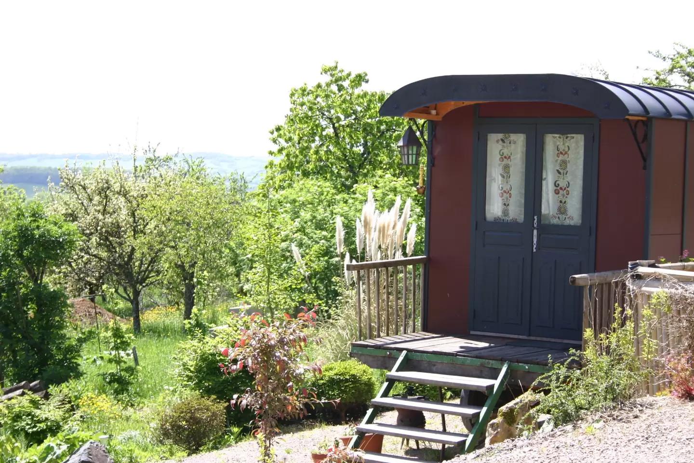 French Gypsy Wagon – weird airbnb rental