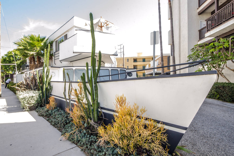 House Boat – Marina del Rey, CA – weird airbnb rental