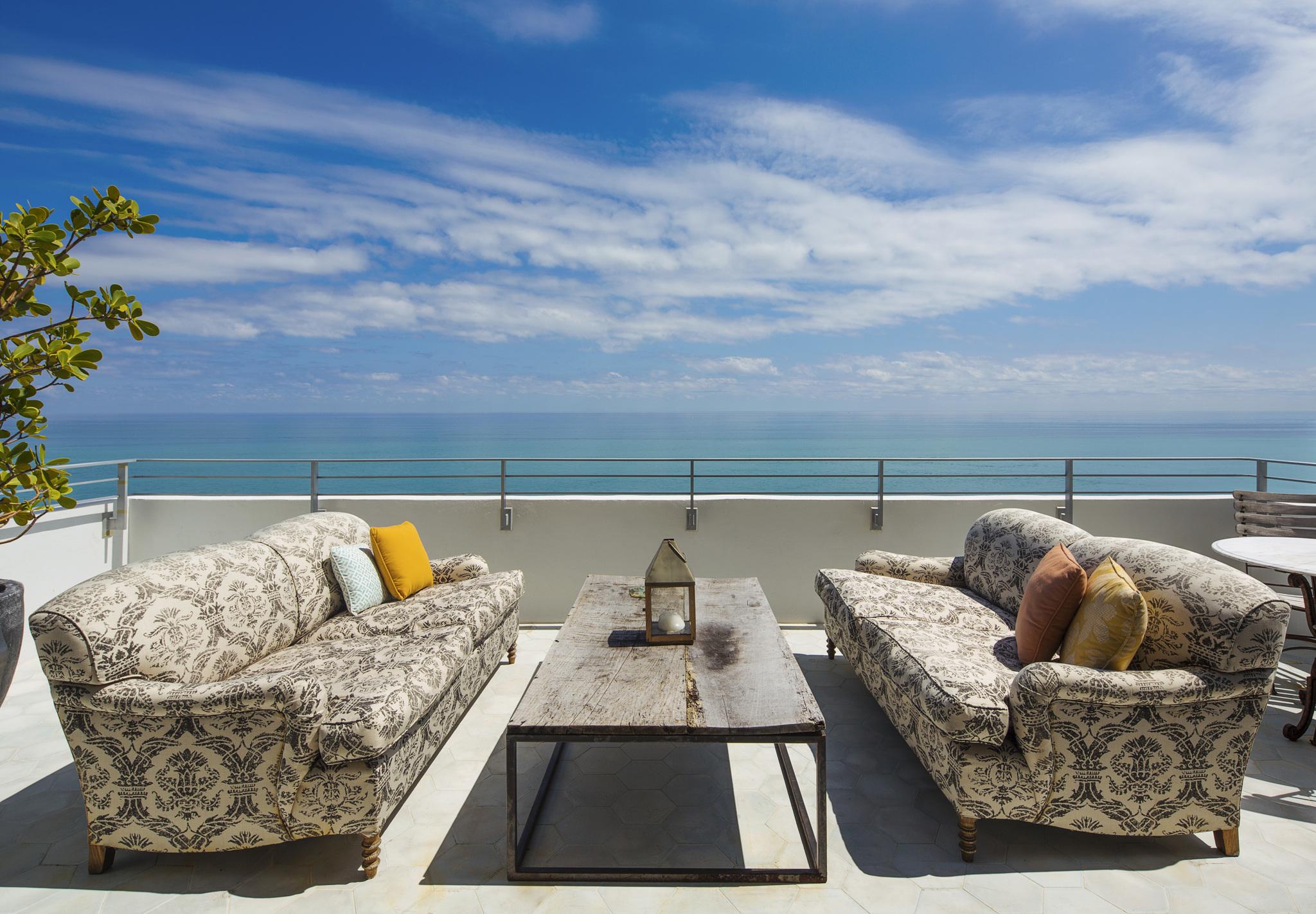 Ocho Soho Beach House – rooftop bar miami