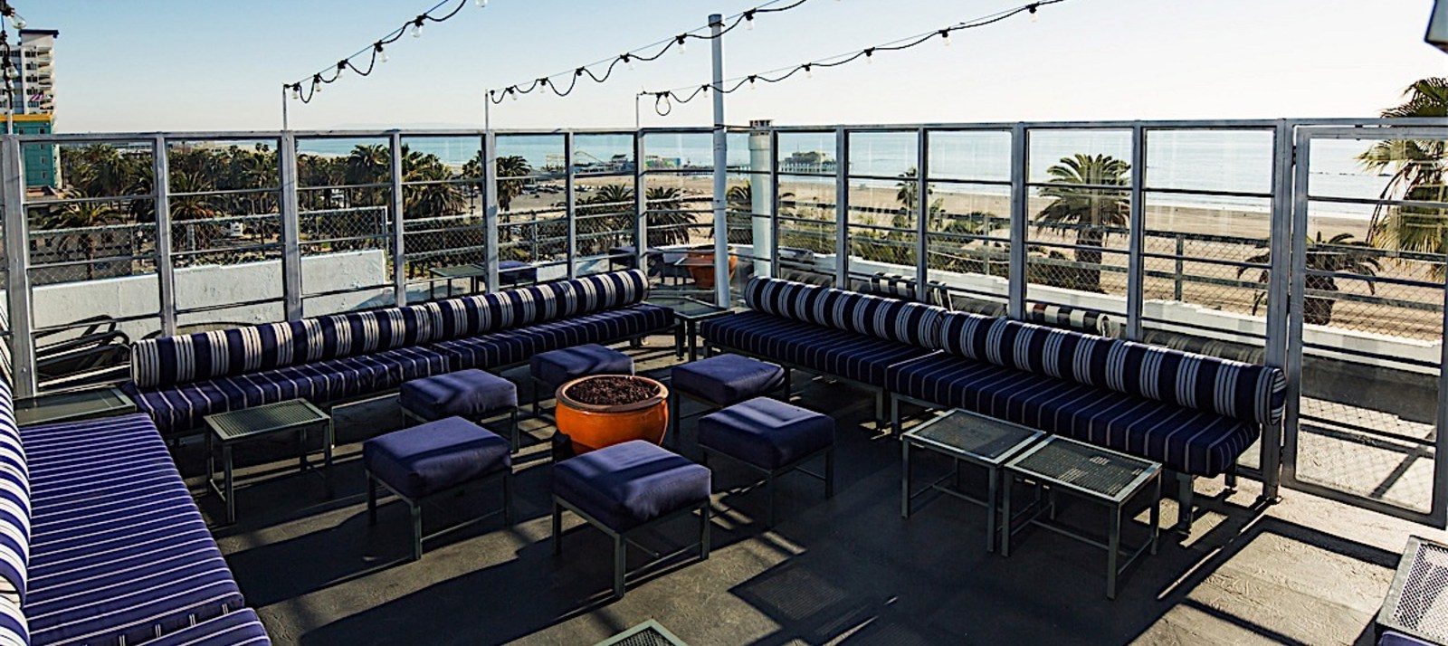 Shangri-La Suite 700 – rooftop bar los angeles