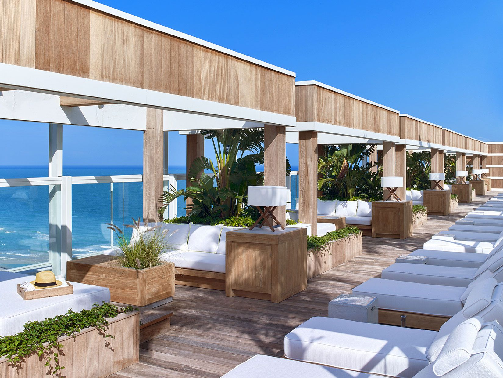 The 1 Rooftop – rooftop bar miami