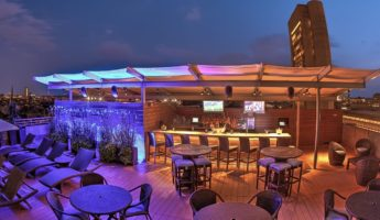 The Colonnade Hotel rooftop bar boston 345x200 Celtic Pride: Bostons 17 Most Wicked Rooftop Bars