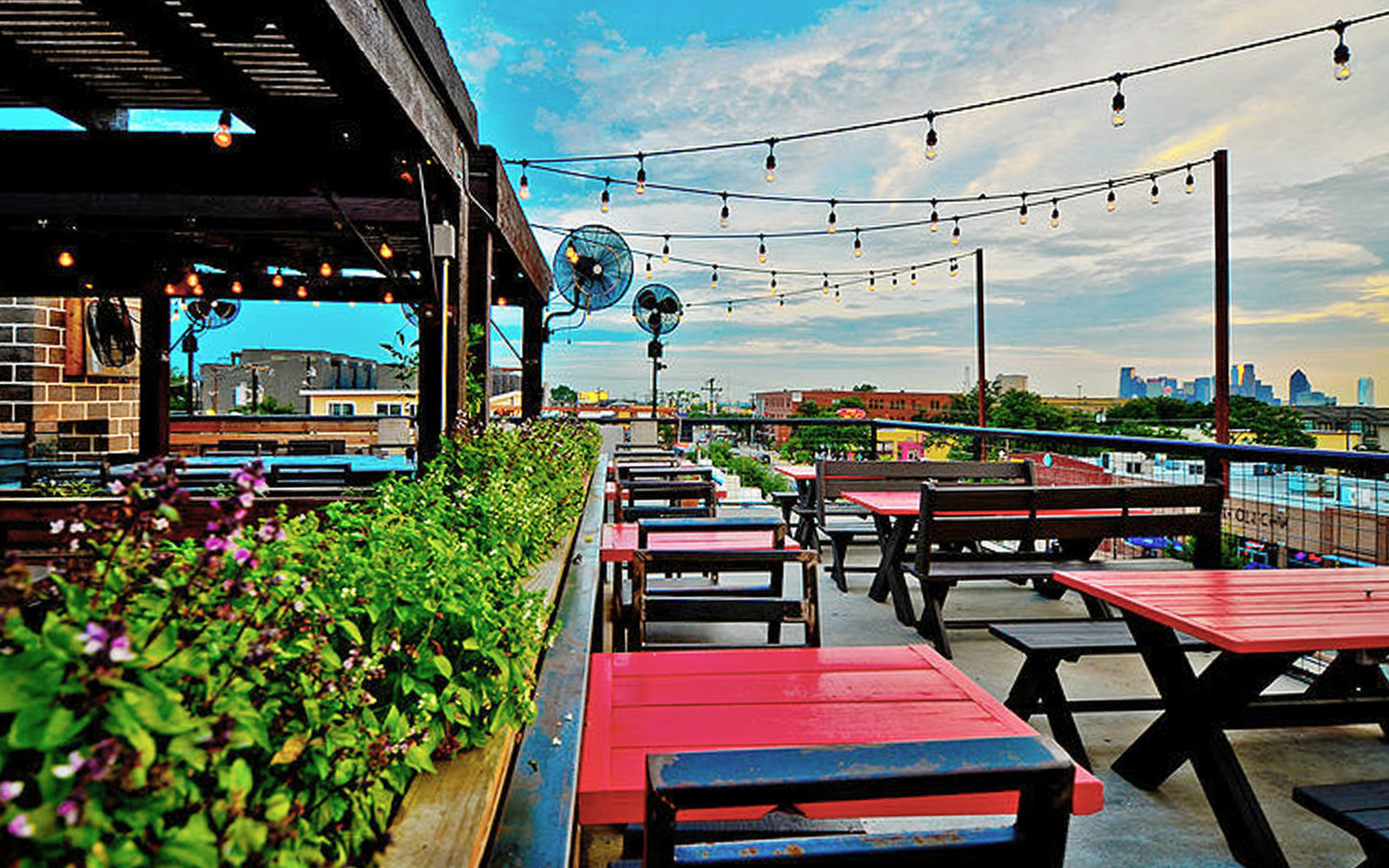 HG Sply Co rooftop bar dallas Everythings Bigger In The 18 Best Rooftop Bars in Dallas