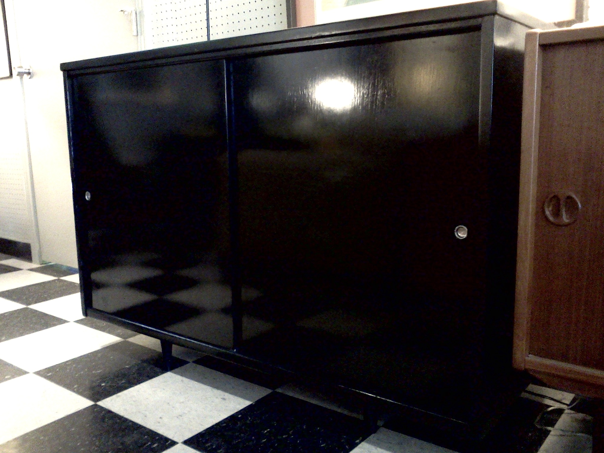Lacquer- decorating tips for men