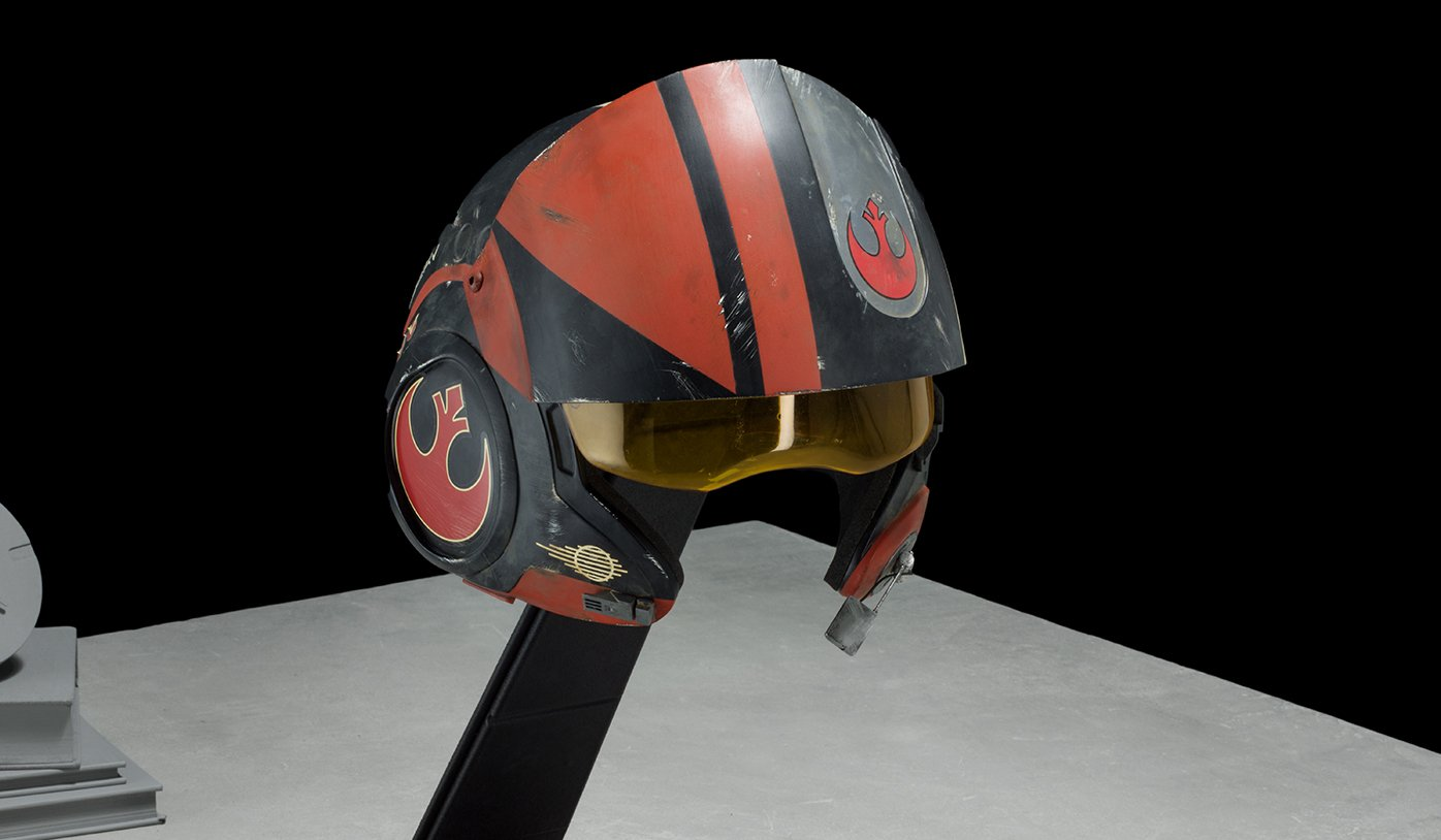 Poe Dameron X-Wing Helmet – star wars prop to buy
