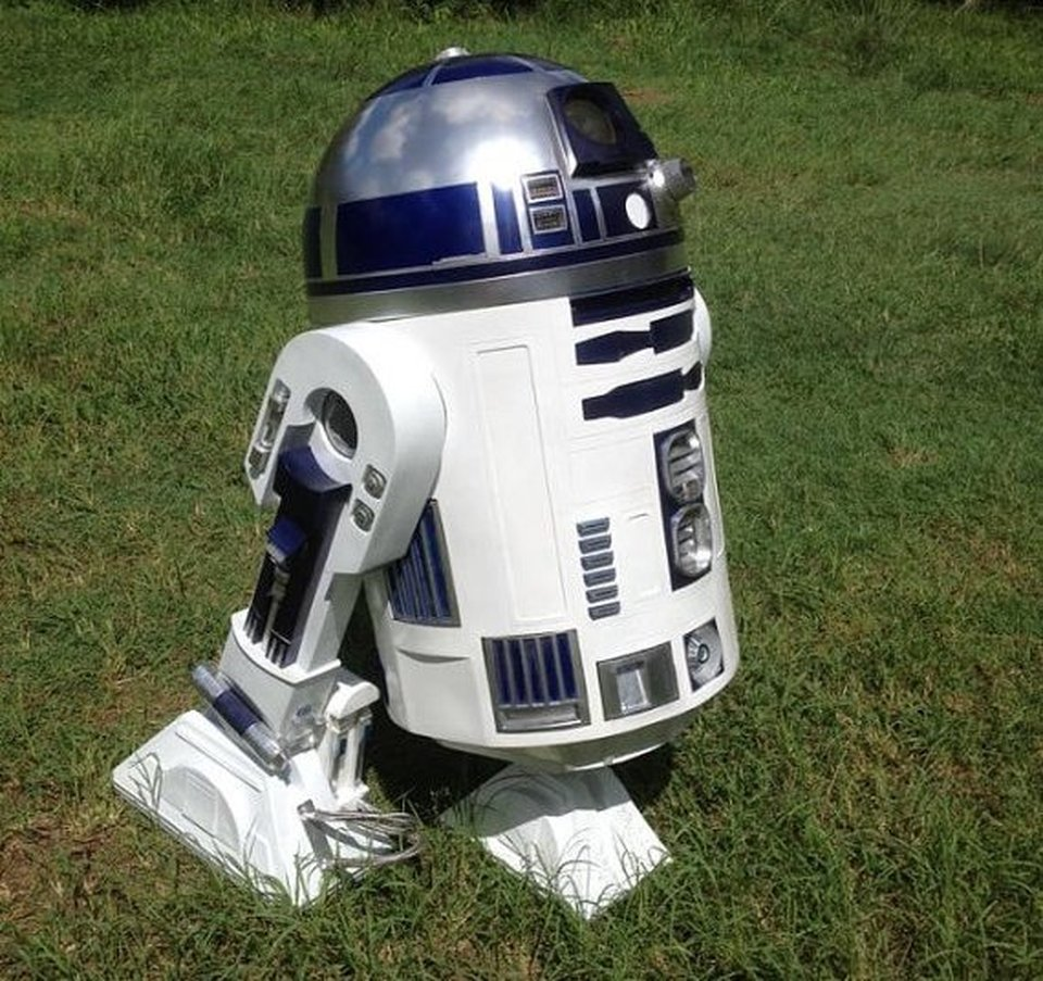 R2-D2 – star wars prop to buy