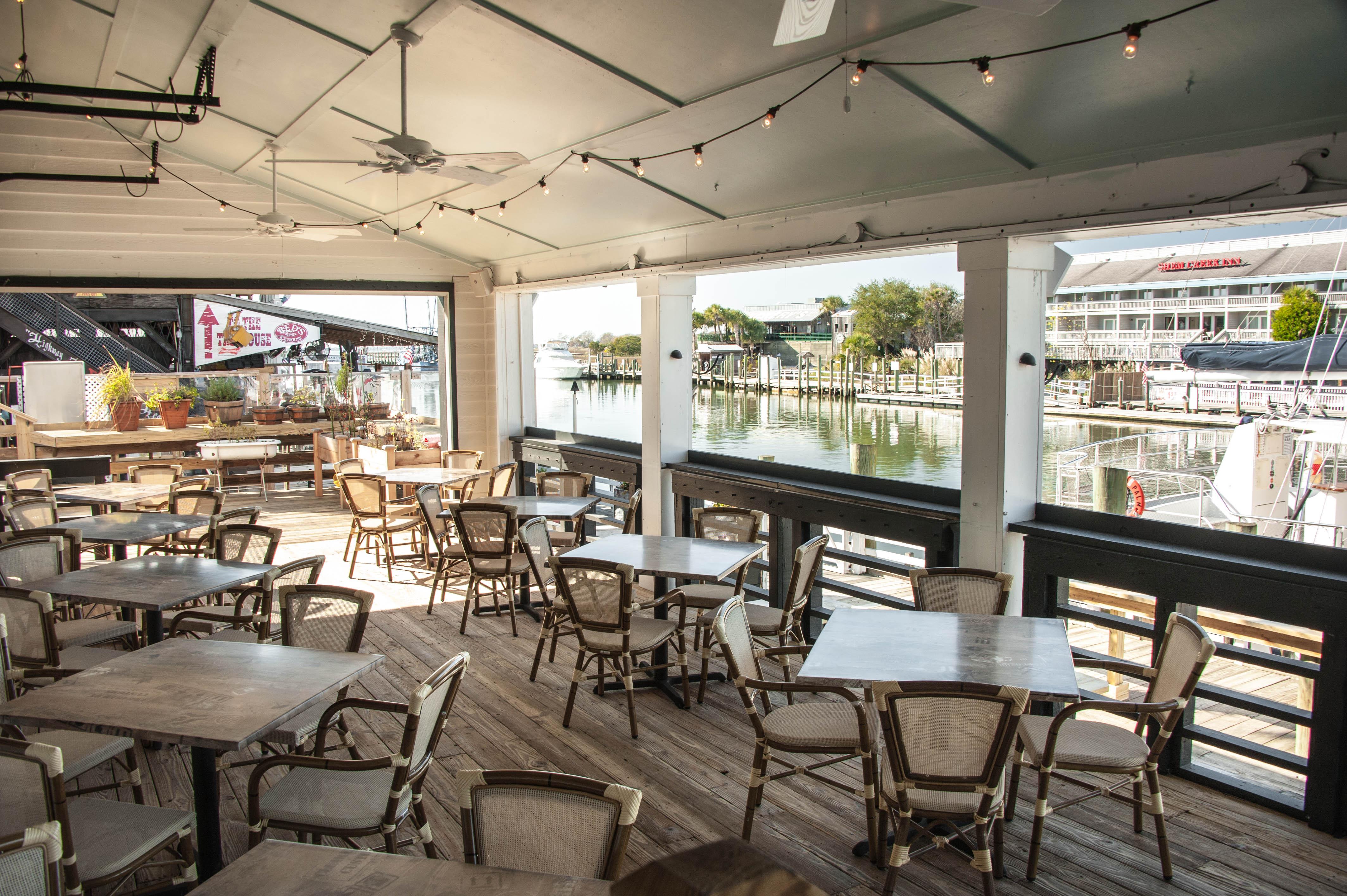 Tavern & Table – rooftop bar charleston