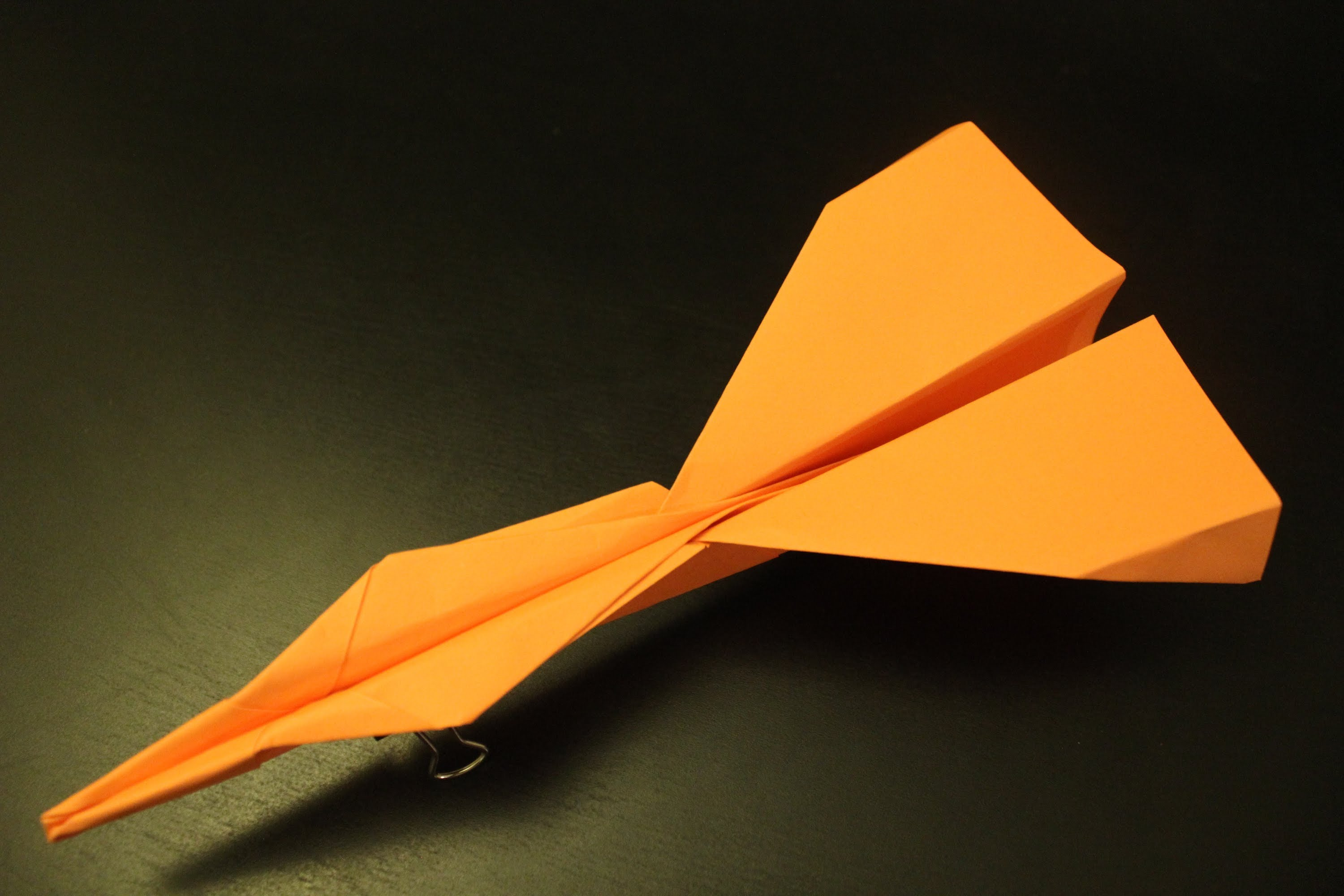 The Spyder – paper airplane