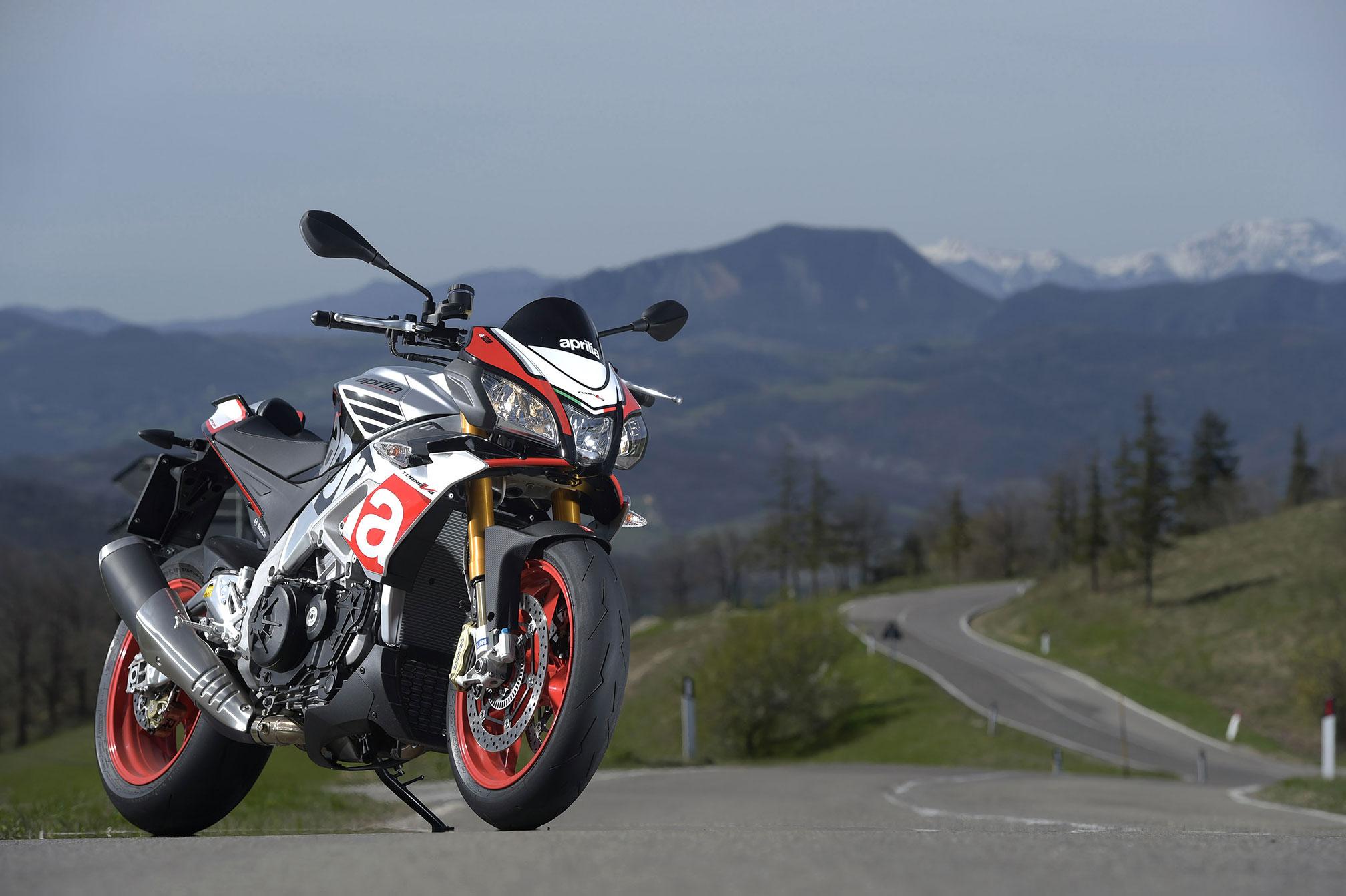 Aprilia Tuono V4 1100 – best import motorcycle