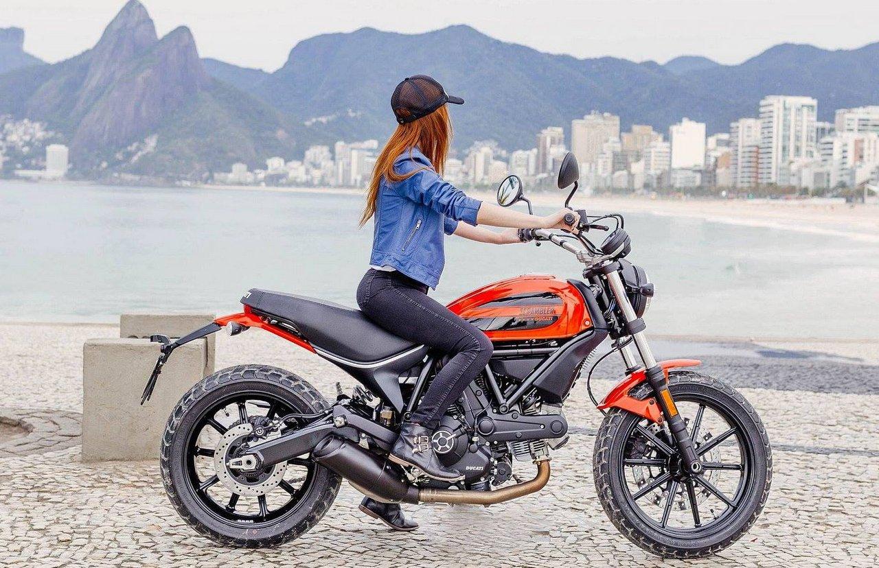 Ducati Scrambler Sixty2 – best import motorcycle